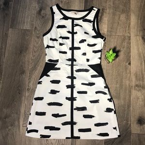 Banana Republic Black and White Summer Dress SZ 2